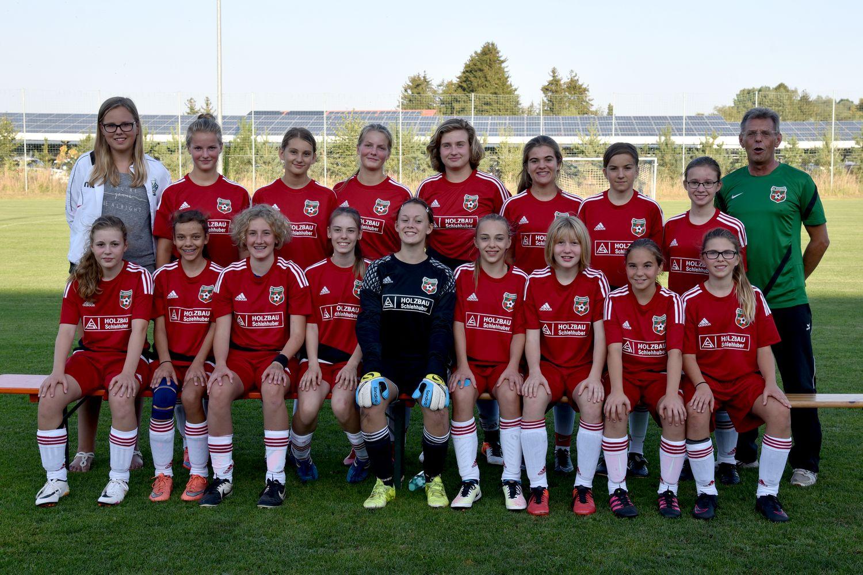 Mannschaftsbild C-Mädels mit Trainer September 2016 klein